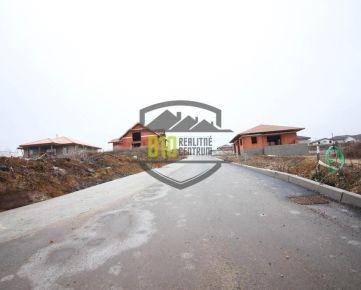 POZEMOK v novej lokalite - obec Párovské Háje