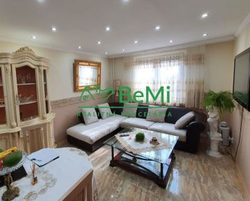 005-113-OTBa Ponúkame Vám na predaj 3 izbový zrekonštruovaný byt v osobnom vlastníctve na sídlisku Rúbanisko III v Lučenci.