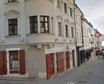 Na prenájom: Reštaurácia priamo pod Michalskou bránou, Staré Mesto, historická budova, pešia zóna.
