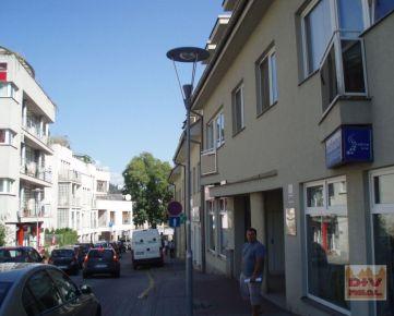 D+V real ponúka na prenájom: garážové státie, Zámocká ulica, Bratislava I, Staré Mesto