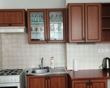 Jednoizbový zariadený byt Žilina Vlčince na prenájom, 39m2. CENA: 380,00 EUR/mesiac