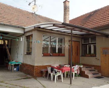 Predaj rodinného domu s veľkým 19á pozemkom v Pezinku.