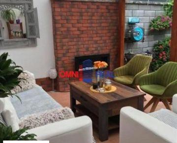 Predaj 3 izb. bytu s predzáhradkou, s parkovacími státiami a  o saunou, na Širokej ul. vo Vajnoroch.