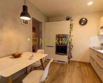 Priestranný 3- izbový byt na ulici Jána Smreka na prenájom
