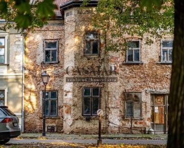 Investičná ponuka! Historická budova v centre mesta  Trnavy