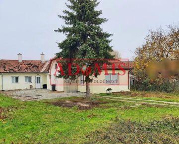 ADOMIS - Predám rodinný dom, jednopodlažný,1400m2, čiastočná rekonštrukcia, PEREŠ.