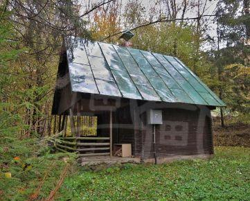 Chata v krásnej prírode na polosamote v lokalite Ružín – Zlatník. Znížená cena!