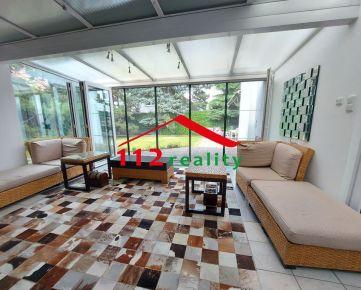 Na prenájom praktický 7 izbový rodinný dom pre veľkú rodinu/ pre firmu, 3 kúpeľne, sauna, blízko prírody