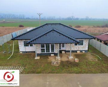 TRNAVA REALITY - kvalitná 5 izb. novostavba RD s výhľadom na Malé Karpaty v obci Častá s najväčším pozemkom v novovybudovanej štvrti