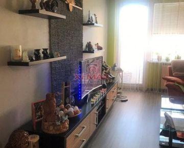 Na predaj krásny, priestranný 3 izbový byt so 4 lógiami a parkovacím miestom, v Žiari nad Hronom