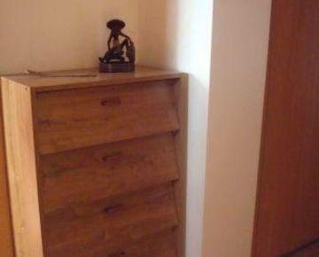 Trnava: 1-izbový byt.