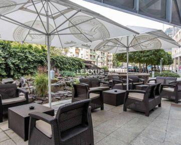 LEXXUS-odstúpenie kaviarne s vonkajšou terasou, centrum BA
