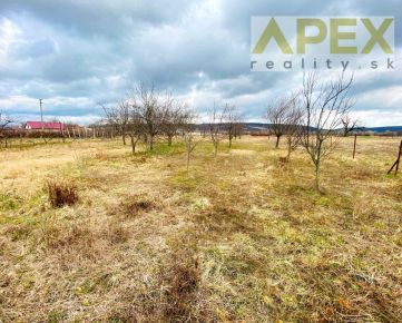 Exkluzívne APEX reality slnečný stavebný pozemok v Maduniciach, 1735 m2, oplotený, IS, 25€/m2