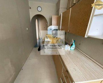 Predám 2 izbový byt na Nábrežnej ulici v Nových Zámkoch