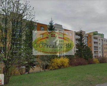 Veľký 2 izbový byt,  61 m2, s lodžiou Radvaň  B. Bystrica –  cena 122 000 Eur