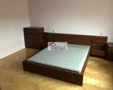 2-room larger apartment for rent, Vajnorská street, the first tram stop from Trnavské mýto, renovated and fully furnished with furniture and appliances