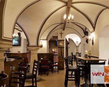 Ponúkame na odstúpenie reštauračné priestory v centre Starého mesta