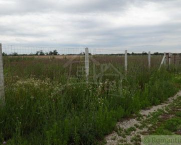 Poľnohospodársky 22 árový pozemok v Bratislave na predaj