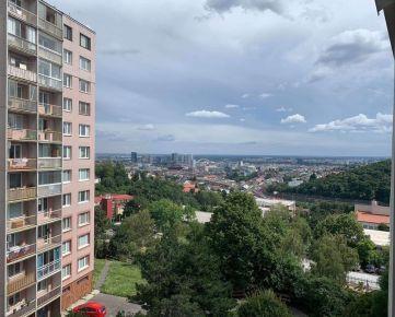 BOND REALITY – 3 izb. byt s úžasným výhľadom na ul. L. Dérera, BA III.