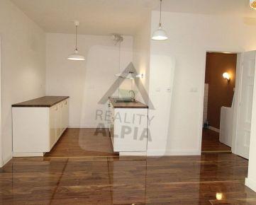 3 - izbový luxusný byt na prenájom  Belveder,  Banská Bystrica