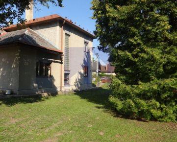 PREDAJ, rodinný dom pri Banskej Bystrici, pozemok 800 m2