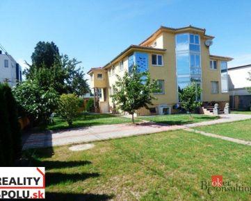 Na predaj veľký 2-podlažný rodinný dom pre trvalé bývanie s možnosťou firemného zázemia, BA II., Trnávka - Klatovská ul.