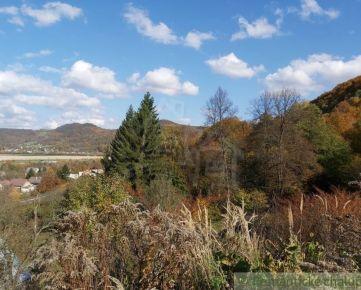 Väčší stavebný pozemok v prírodnom prostredí nad obcou Nosice pri Púchove na predaj