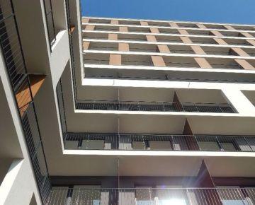 Znížená cena garážového státia v objekte Slnečnice – Mesto, A1, Petržalka