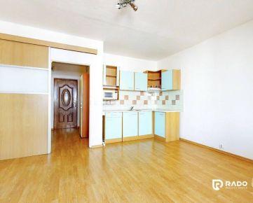 REZERVOVANÉ!!! Garsónka 30m2 + 6m2 balkón, K. Šmidkeho - Trenčín