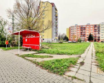 Priestranný 1,5 izbový byt na ulici Pri Šajbách