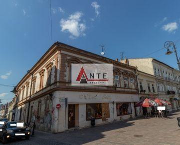 PREDAJ, resp. PRENÁJOM - Atraktívny OBCHODNÝ priestor v historickom CENTRE, Mlynská ulica, 3 x vstup, 2 x výklad