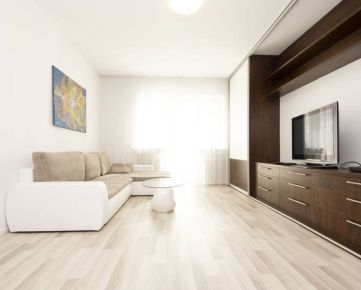 Exkluzívny 3i byt na prenájom v Bratislave - Starom Meste