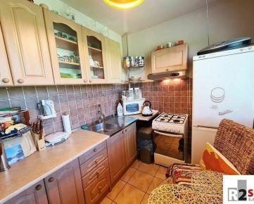 Predáme 2 - izbový byt, Žilina-Hliny, Hlinská ulica, R2 SK.