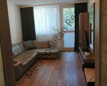 Veľmi pekný kompletne zrekonštruovaný 4 izbový byt s loggiou v príjemnom a tichom prostredí