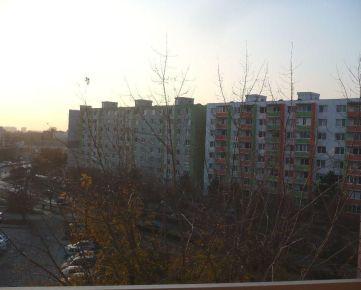 Trnava: Bezbariérový 1-izbový byt s balkónom.
