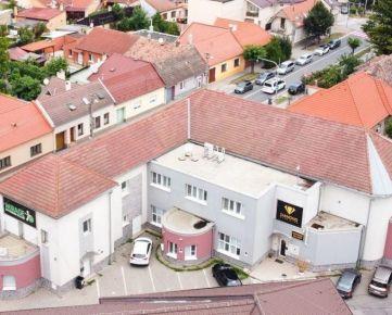 Na predaj, Polyfunkčná budova – Kalinčiakova ulica / Pezinok