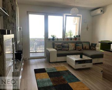 NEO- zariadený 2 izbový byt s parkovacím miestom v cene
