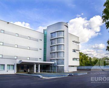 EUROPA – veľký polyfunkčný areál so skladom a administratívnou budovou,  7 880 m2, Rožňavská ul.