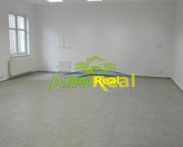 EXKLUZÍVNE na prenájom obchodný priestor 120 m2, Žilina - centrum