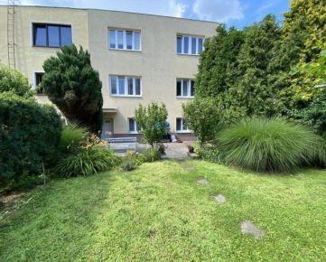 Na predaj zrekonštruovaný rodinný dom, Trenčín, SIHOŤ I., záhrada