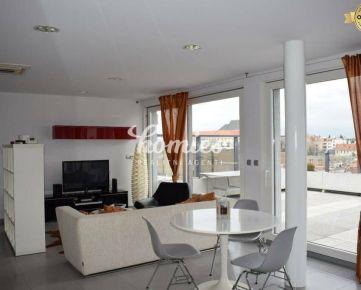 PRENÁJOM luxusný klimatizovaný apartmán  s terasou - centrum Nitra