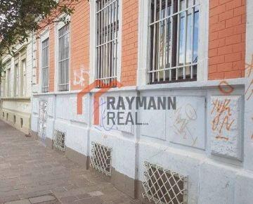 Ponúkam na predaj budovu na Dominikánskom námestí.
