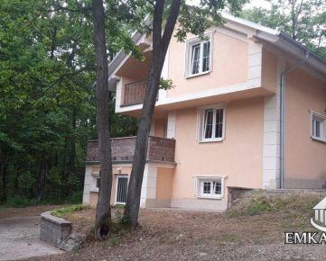 Novostavba tehlovej 3 podlažnej chaty - Pezinok, Kučišdorfská dolina