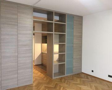 1 izbový byt v úplnom centre Bratislavy, Hviezdoslavovo nám.