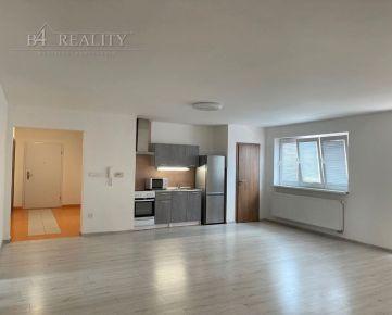 Na prenájom: 4 izbový byt, 120 m2, klimatizácia, parkovacie státie, Električná ul., Trenčín / širšie centrum