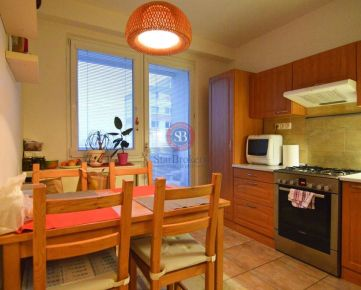 STARBROKERS – PREDAJ - LEN U NÁS! 3 - izbový byt s loggiou na Krásnohorskej ulici v Petržalke neďaleko Draždiaku