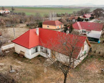 4 izbový rodinný dom v Merašiciach s pozemkom 745m2 **REZERVOVANÉ**