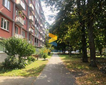 Pripravujeme: Na predaj priestranný 3-izbový byt na ulici A. Hlinku