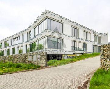 Administratívna budova s pozemkom, / 3132m2/, Žilina