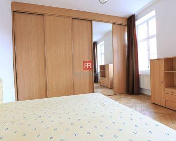 HERRYS - Na prenájom zariadený 1 izbový byt s kuchyňou po kompletnej rekonštrukcii priamo v centre mesta